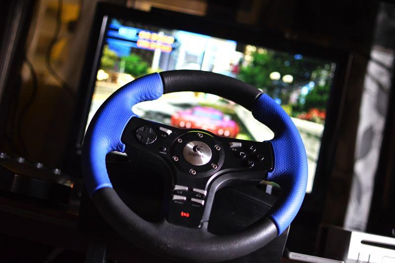 Quels jeux et équipements pour démarrer la simulation auto sur PS4 ?